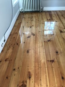 Reclaimed pine with oil based polyurethane (3)