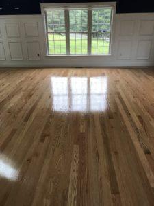 Red oak hardwood floor install with custom border & oil based polyurethane